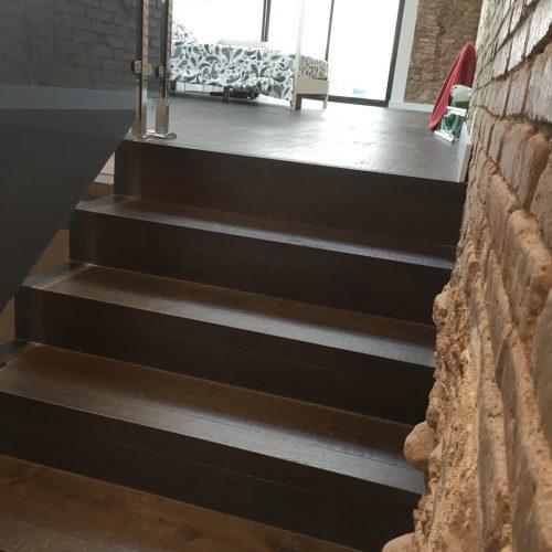 Escalera y parquet Millesime Godello Roble